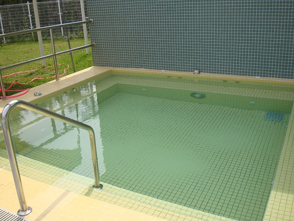 SPA池左池